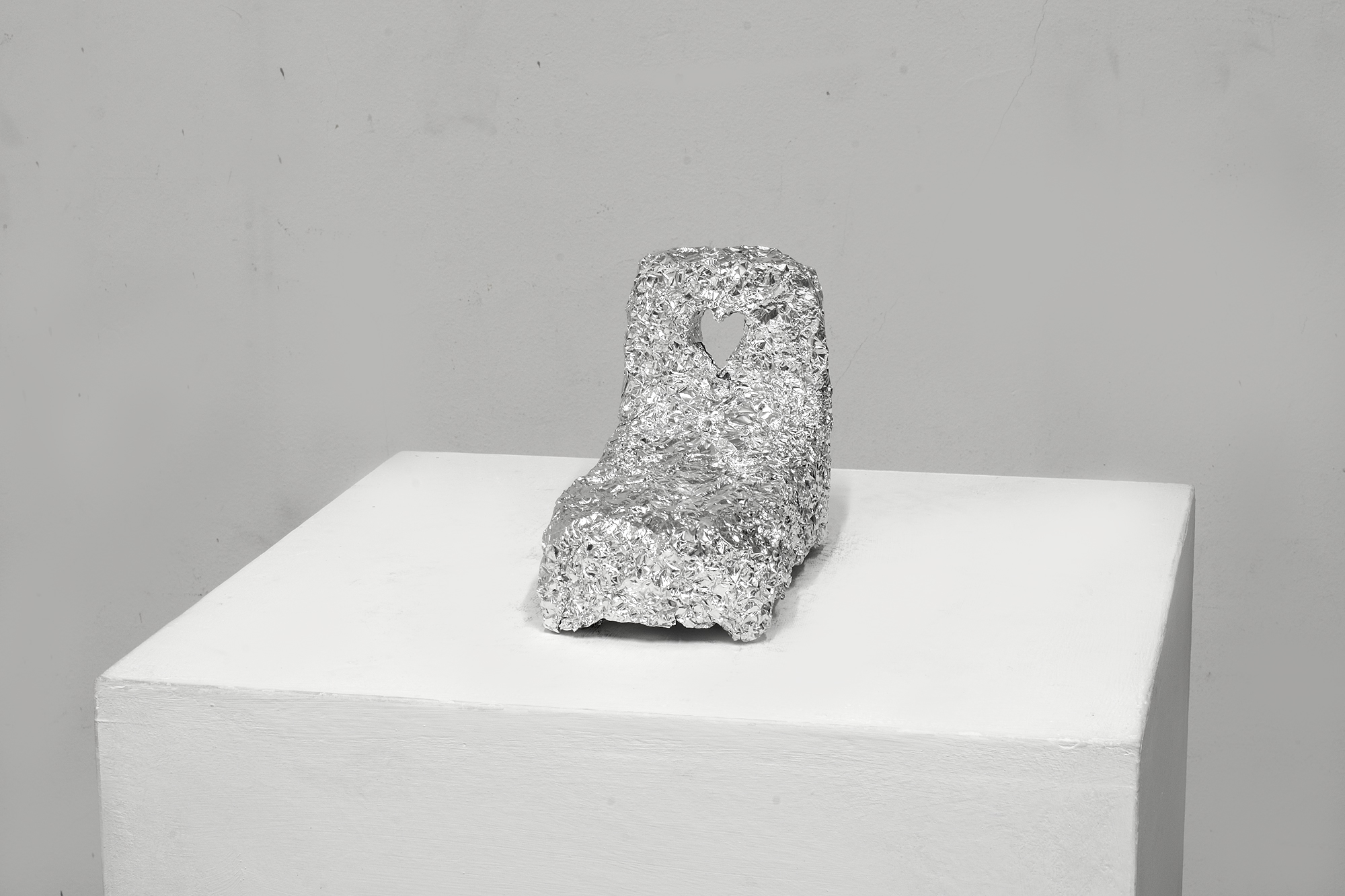 Fernando J. Ribeiro_aluminum sculpture_bed_2015