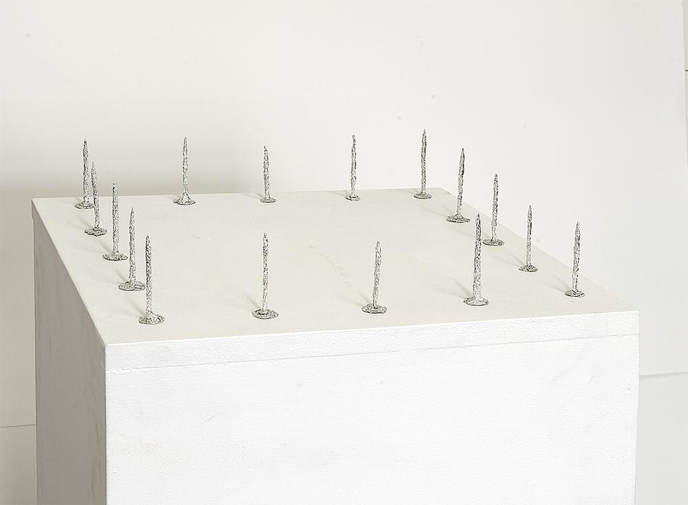 Fernando J. Ribeiro_nails sculpture_aluminium foil sculpture_2019