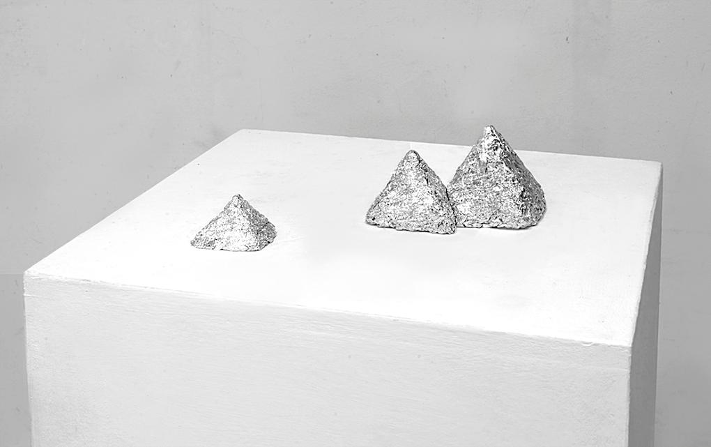 Fernando J. Ribeiro_Egipt Pyramids_sculpture_aluminum foil_2015