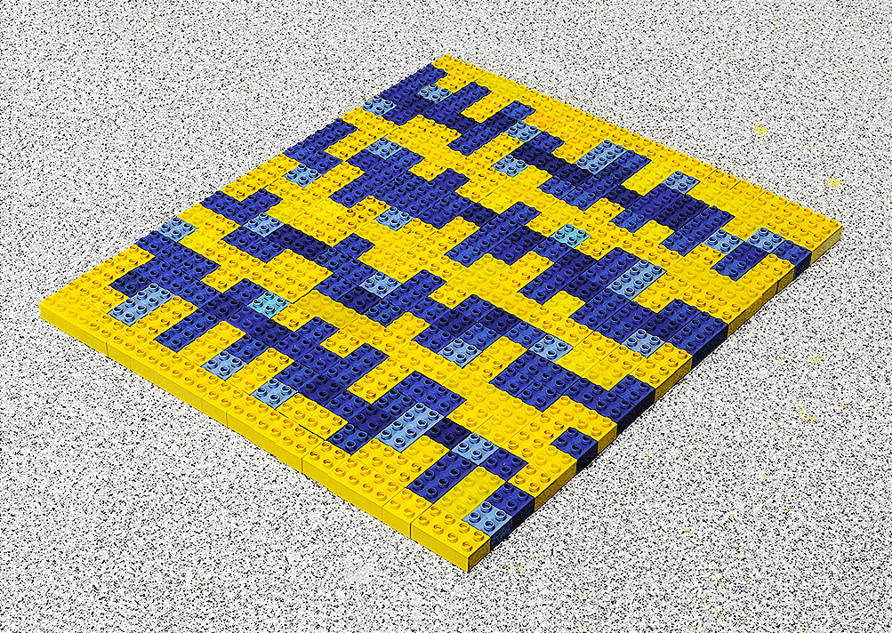 Fernando J. Ribeiro_Home Carpet. Blue Model_LEGO sculpture_2021